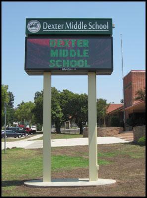 dexter_middle_school_pole_sign