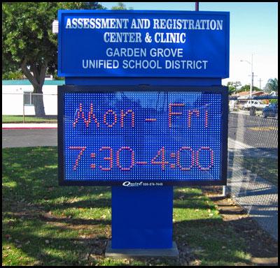 garden_grove_district_pole_sign